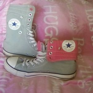 Women's Converse size 9 high top sneakers.